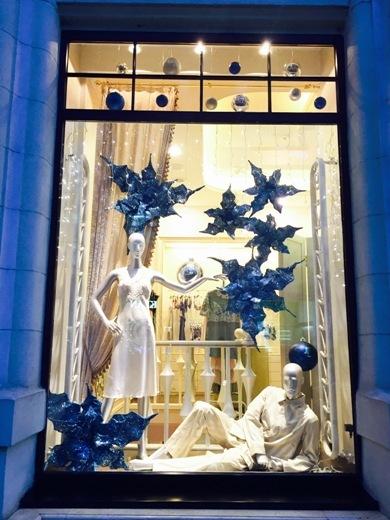 12028229 В Одессе выбрали самую красивую новогоднюю витрину